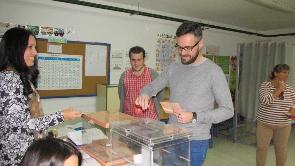 felipe votando